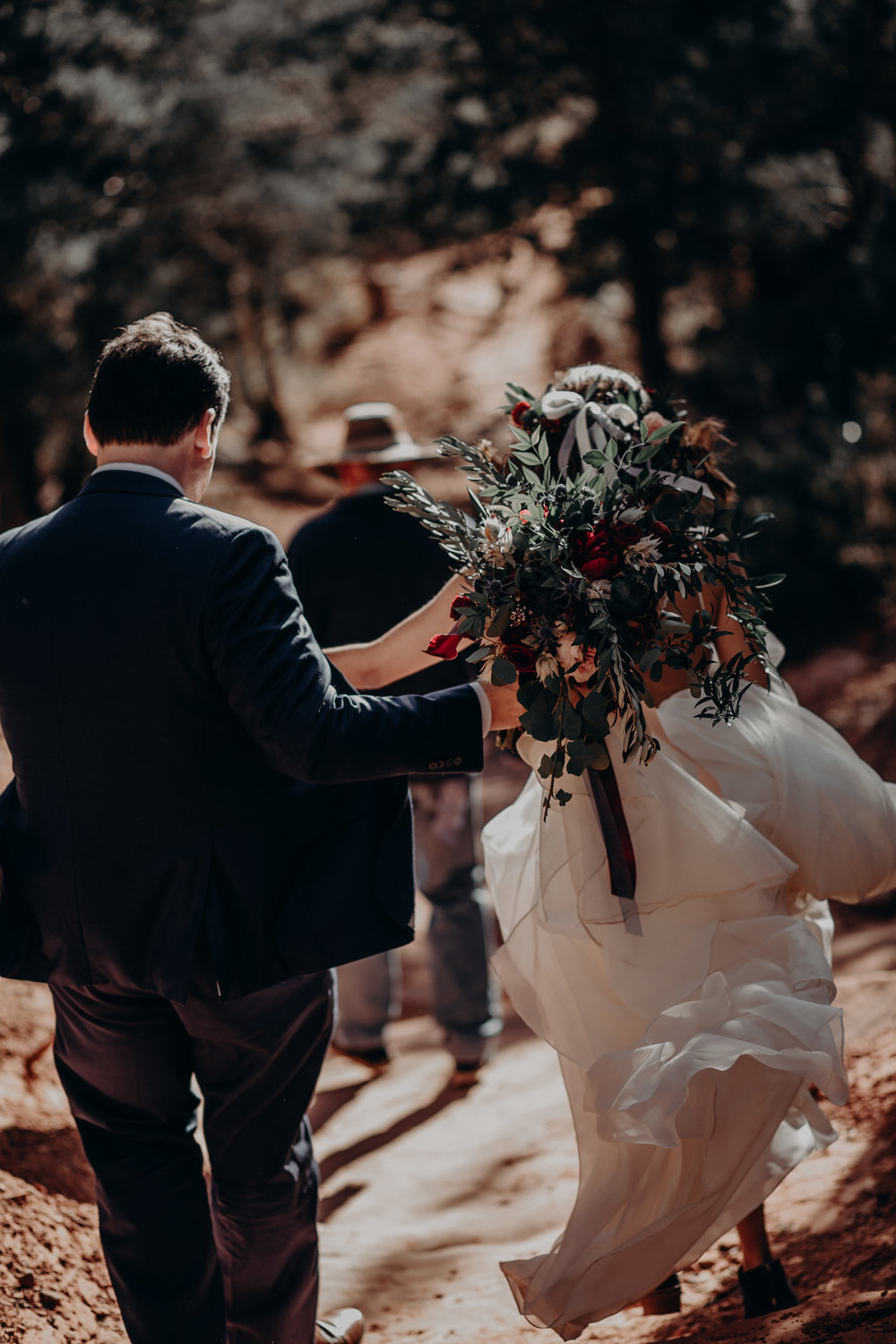 adventure-elopement-photographer-coconino-national-forest-canyon-red-rock-mountain-intimate-wedding-photographer