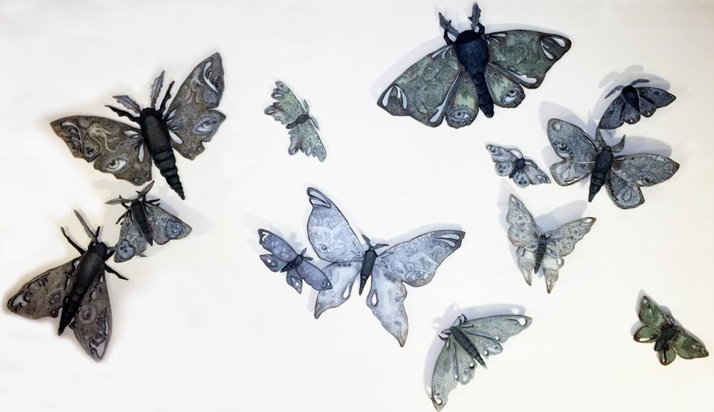 TRECE POLILLAS DE LA LUNA (THIRTEEN MOTHS OF THE MOON)
