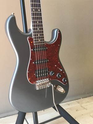 Pre Owned Electric Guitars Whammy Bar