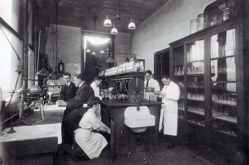 The first forensic toxicology lab in New York City, Bellevue Hospital c. 1922