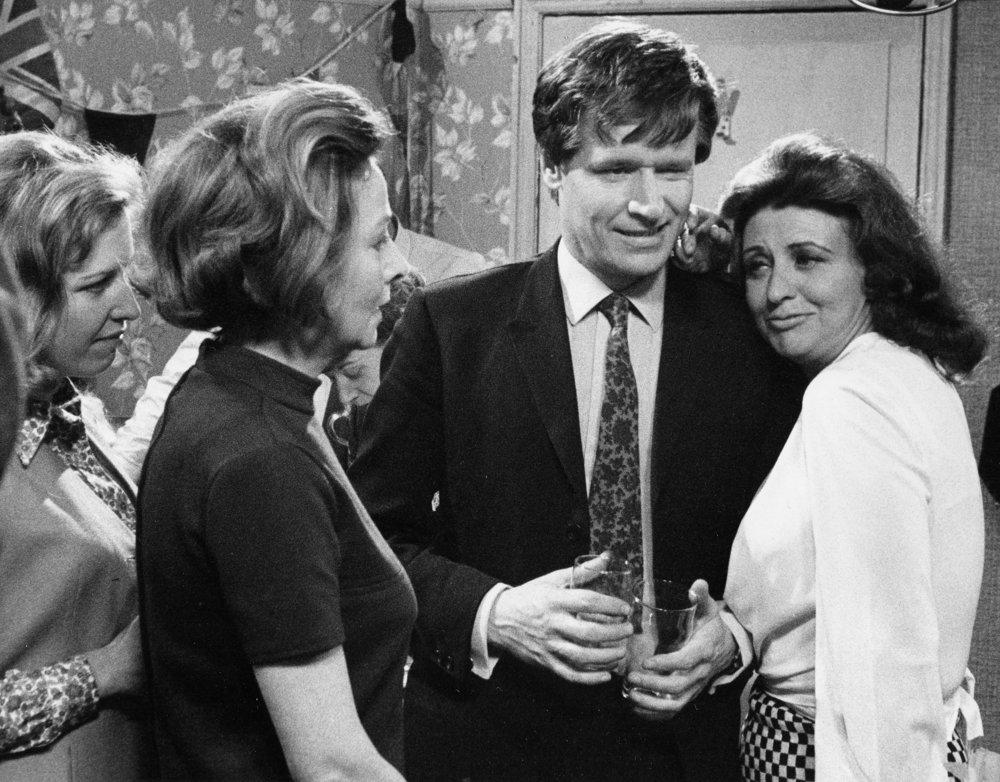 Coronation Street (1968) 2-7-33.jpg