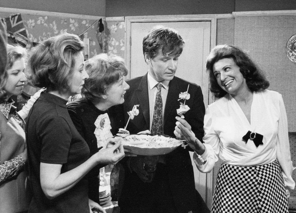Hilda, Ken, Elsie