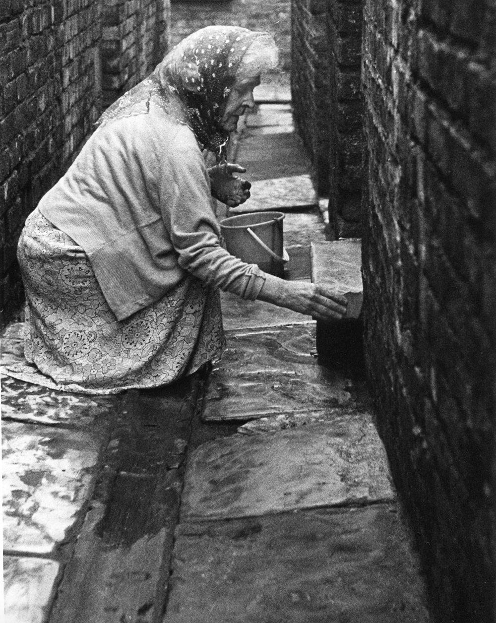 Woman Stoning Step, Salford, 16-71-2 (1962).jpg