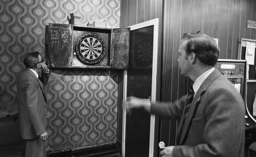 Bingo_Darts_5.81.28_1980.jpg