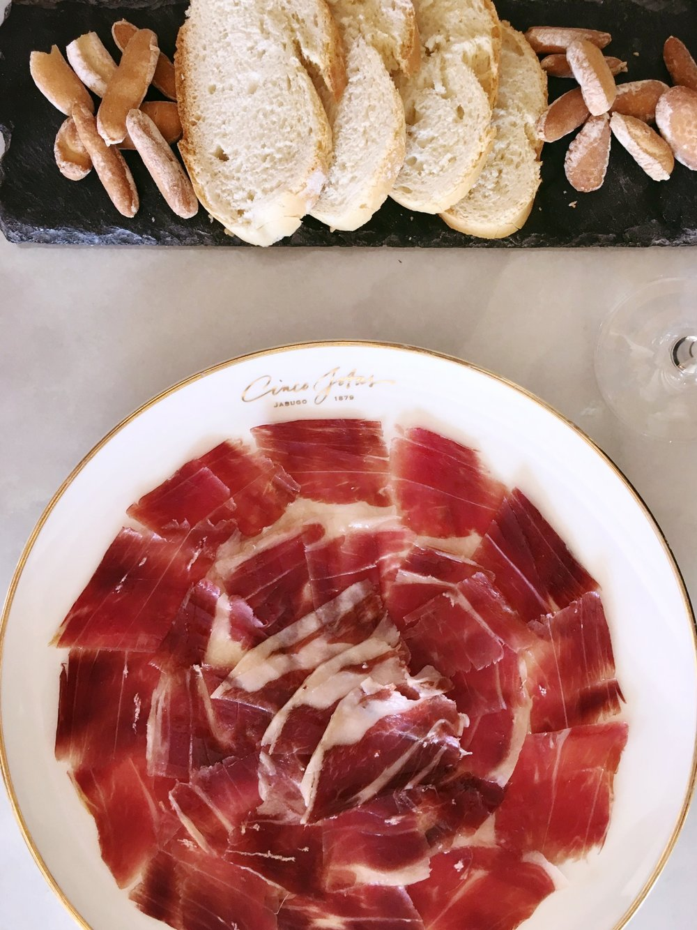 BLOOMBERG: Five Questions to Ask About Jamón Ibérico