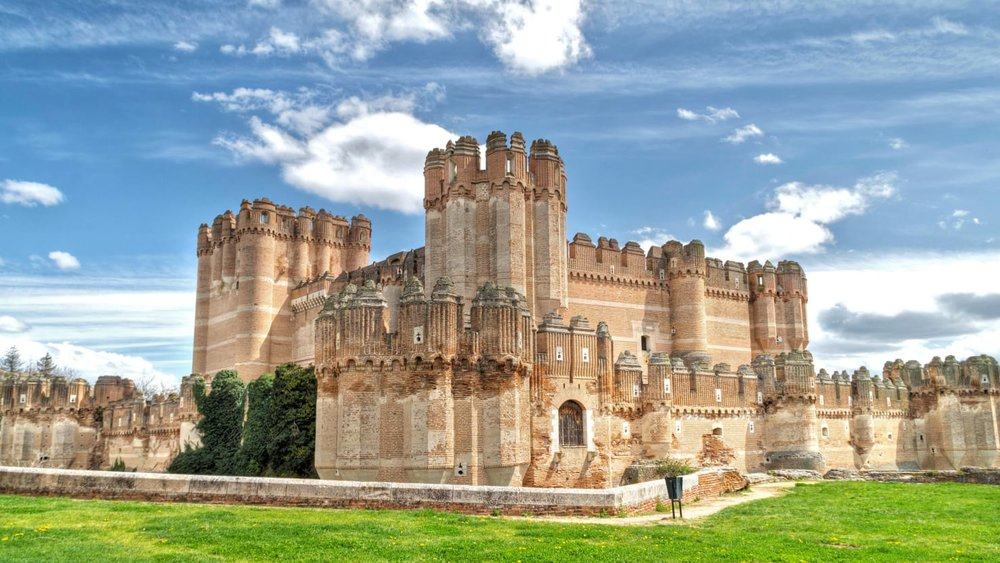 DAILY BEAST: Your Ultimate Guide to Spain's Fairy Tale Castles