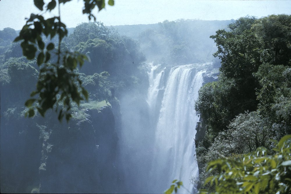 Victoria Falls......................Click    HERE    for pics of the magnificent Falls