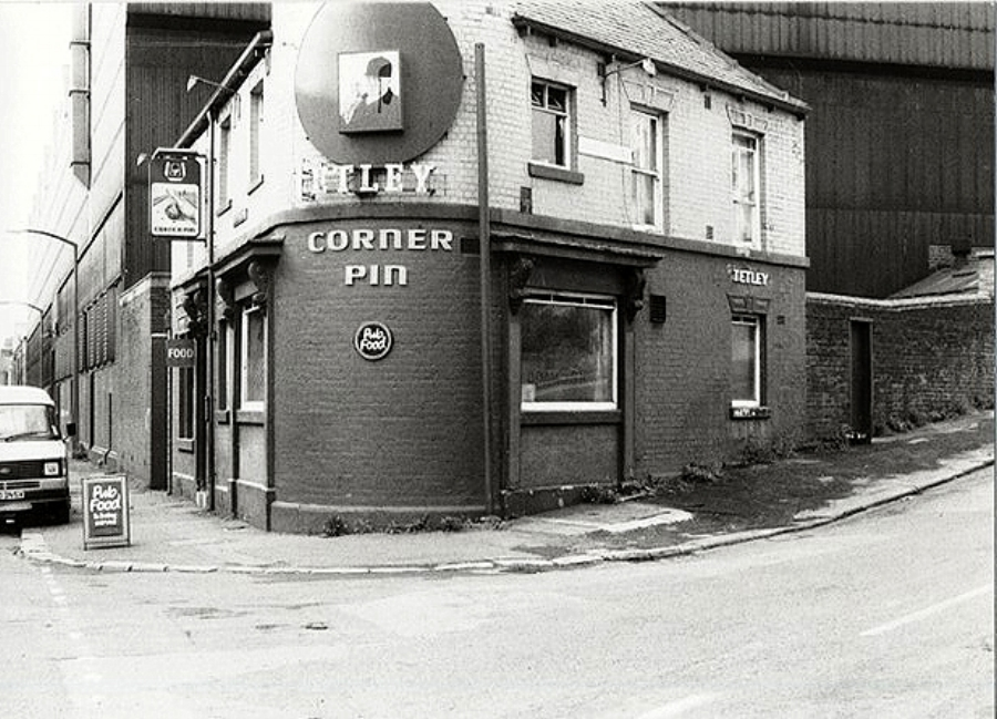 The Corner Pin- pic taken circa 1975 -- the pub is still open to this day.