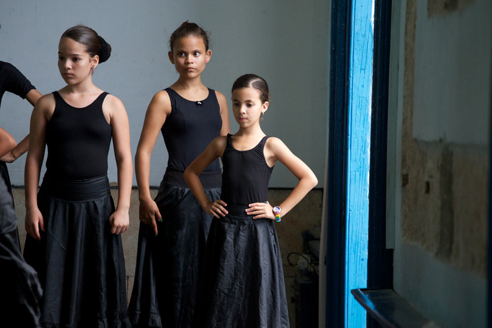 Cuba-Havana-Dancers-4-15-CV- C26O9874.jpg