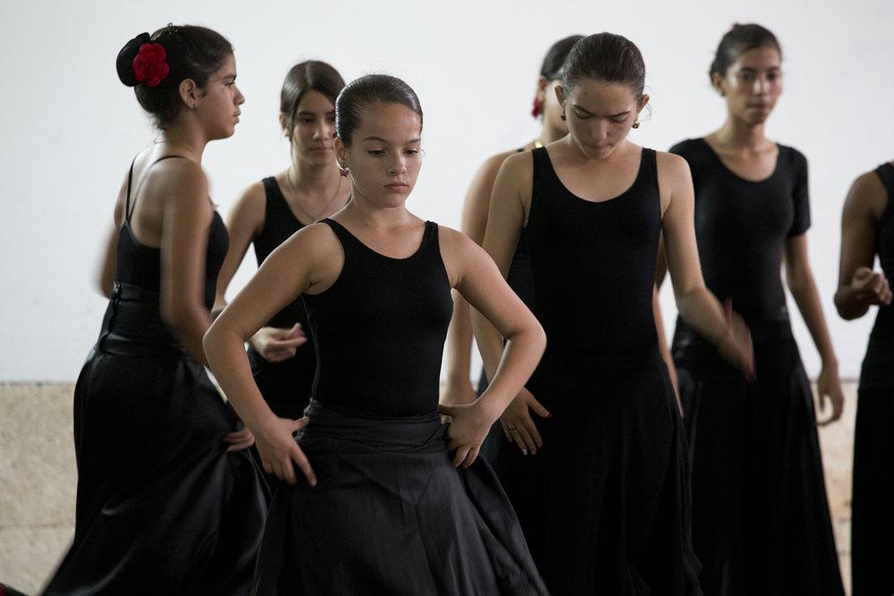 Cuba-Havana-Dancers-4-15-CV- C26O9818.jpg