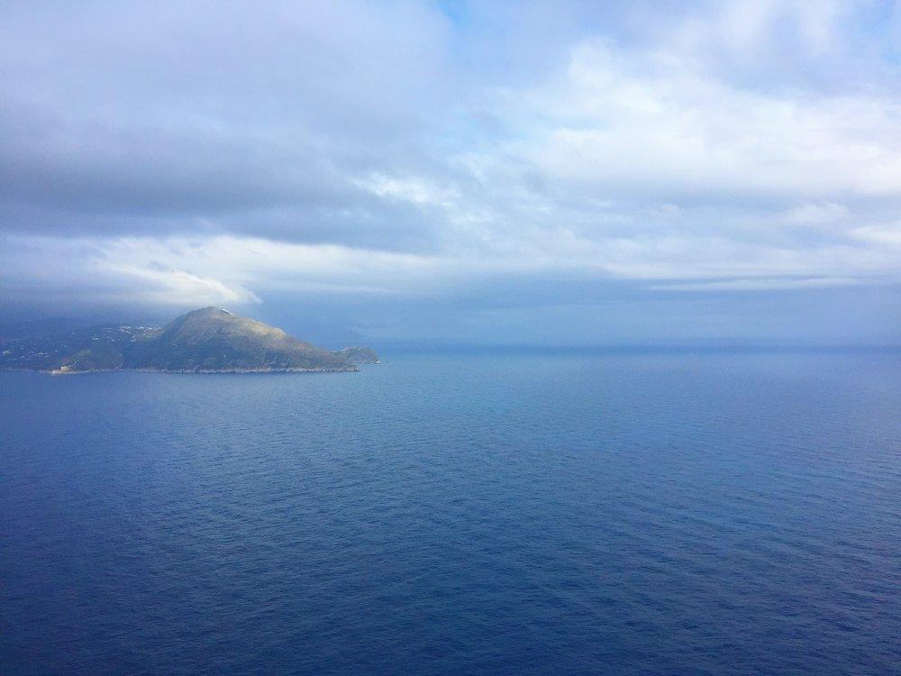 isola:www.adrianamartinezartist.com.JPG