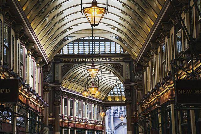 London. Rediscovering my hometown.  #London #cityoflondon #leadenhall #leadenhallmarket #harrypotter #architecture #architecturephotography #travel #travelphotography