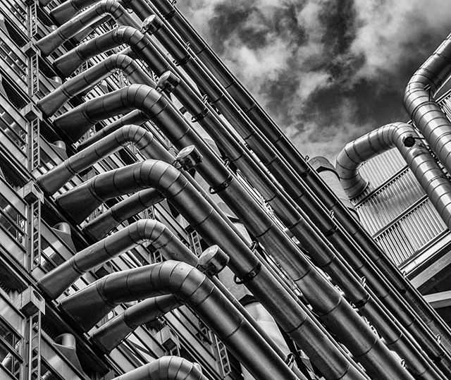 London. Rediscovering my hometown.  #London #cityoflondon #lloydsbuilding #architecture #architecturephotography #travel #travelphotography #bw #blackandwhite #blackandwhitephotography #monochrome #monochromephotography