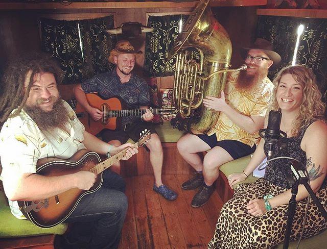 #Repost @sianshine_daggersandice ・・・ @thelongjohns with @lowdownriders with @dubmarine @woodfordfolkfestival #jamskies #hounddog #caravan #music #livemusic #friday #friyay #vintageguitar #gypsyjazz #folkfestival #folkmusic