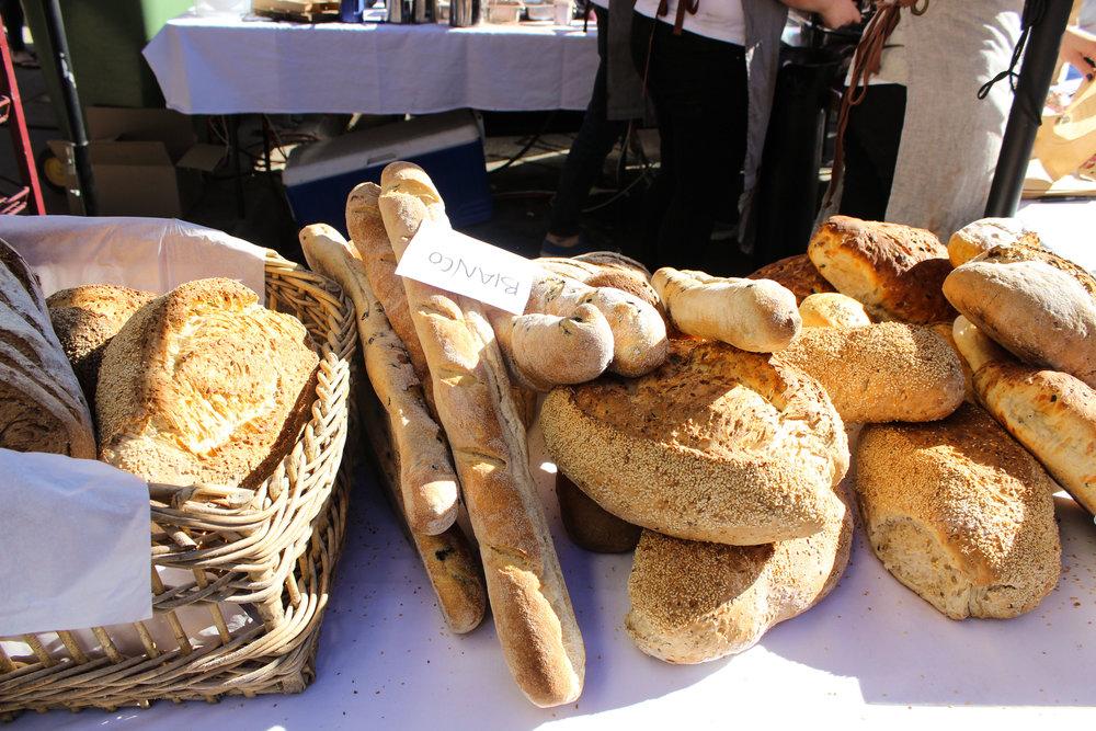 rutherglen_farmers_market_bread