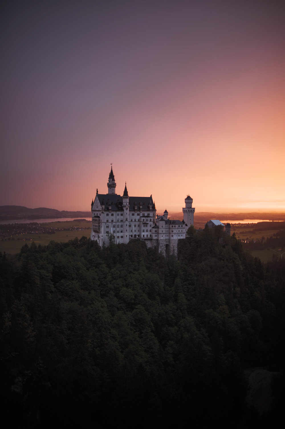 - Amazing light at castle Neuschwanstein, this only lasted for roughly 10 minutes.