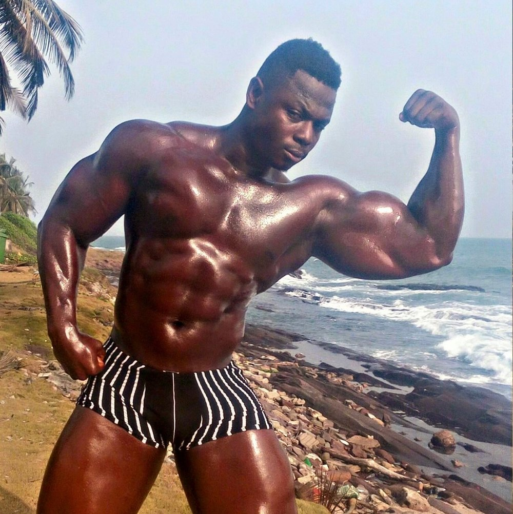 Francis - Level 2 Trainer Height:6'0 Weight:105 kg Qualifications: 14 years of bodybuilding. Welcomes all levels for relaxed or intense workouts. Serious but fun trainer. Favorite workouts:Legs - Arms Awards:Cape Coast Strongest(Winner - 2014 & 2015)