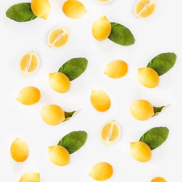 Lemon Oil, found in our Certified Organic Clarifying Safflower &  Geranium Cleansing Oil and our Certified Organic Balancing Safflower & Basil Facial Oils, is high in Vitamin C, which is a key ingredient for achieving radiant skin. But did you know that it also rejuvenates the complexion due to its hydrating properties? These little sunshine fruits also contain antiseptic properties which are perfect for helping to fight unwanted pimples. . . . . . . . #facialoil #vitaminc #glowingskin #lemon #naturalbeauty #organic #organicbeauty #naturalskincare #certifiedorganic #naturalingredients #cleanbeauty #greenbeauty #tuesdaytip #veganbeauty #crueltyfree #organicskincare #cleansingoil #radiance #truebeauty #honestbeauty #trueskincare