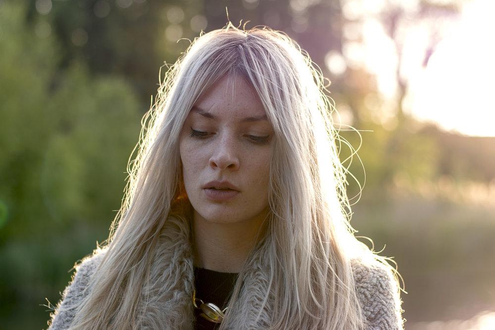 fur coat blonde.jpg