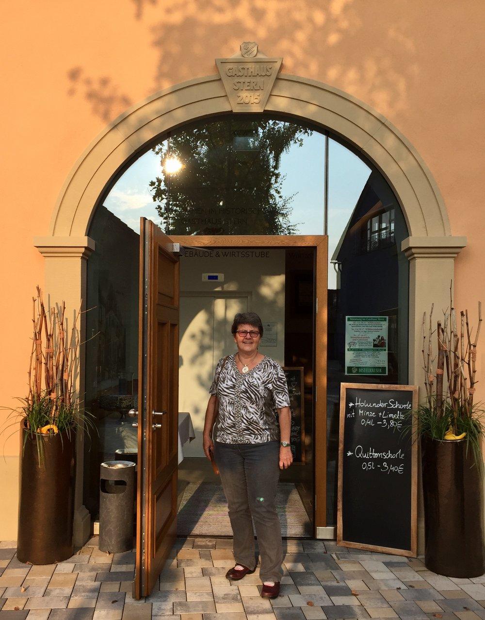 Når vi kom til Kürnach så dro vi innom restaurant Stern. Der ville jeg kunne få stempel i mitt pilegrimspass.