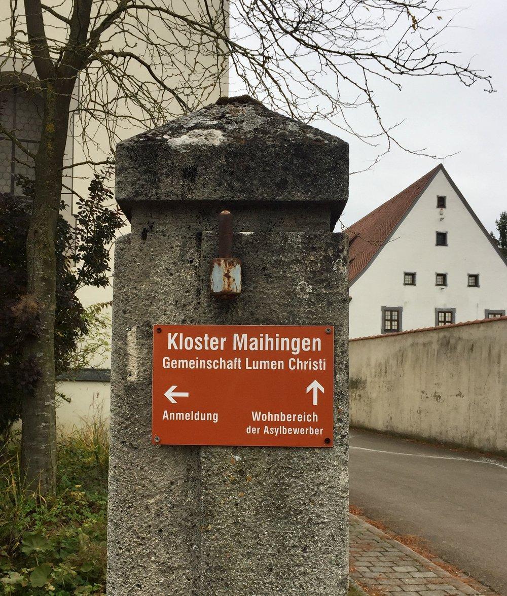 Og overdådige klostre som her i Marktoffingen. Klostret Maihingen