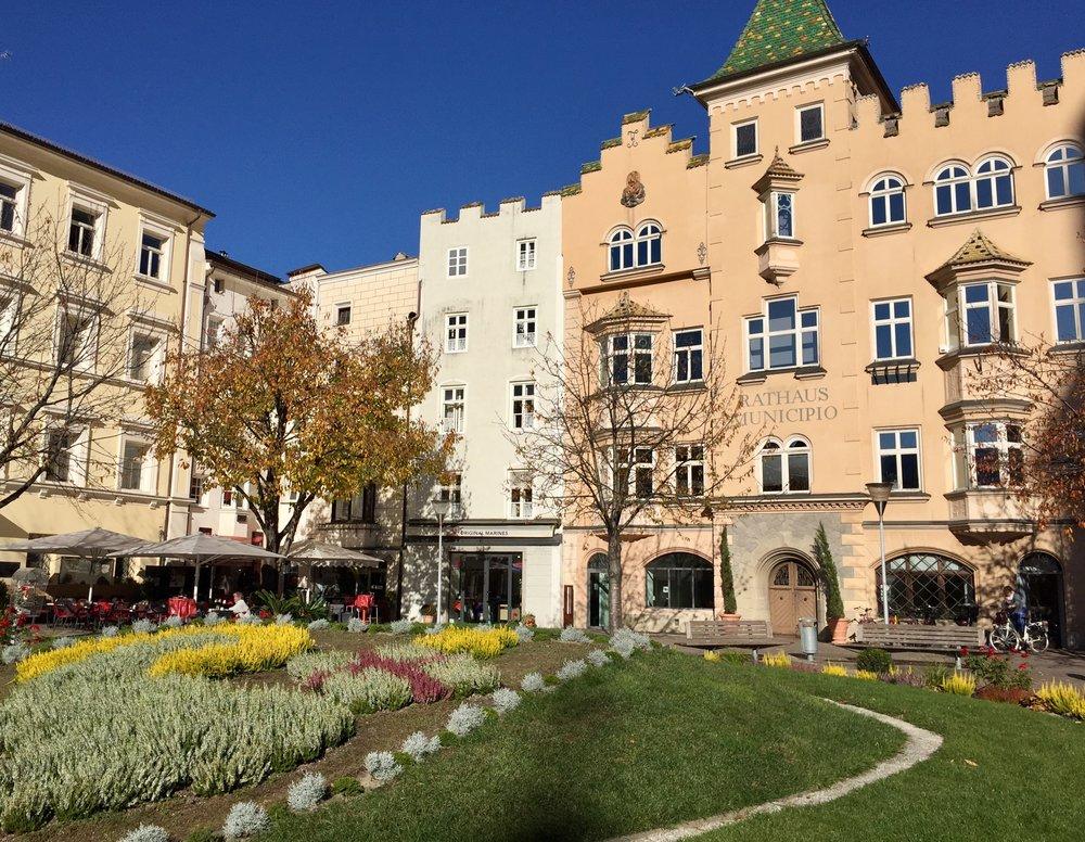 Vakre Brixen. Her er rådhuset og noen bilder fra byen: