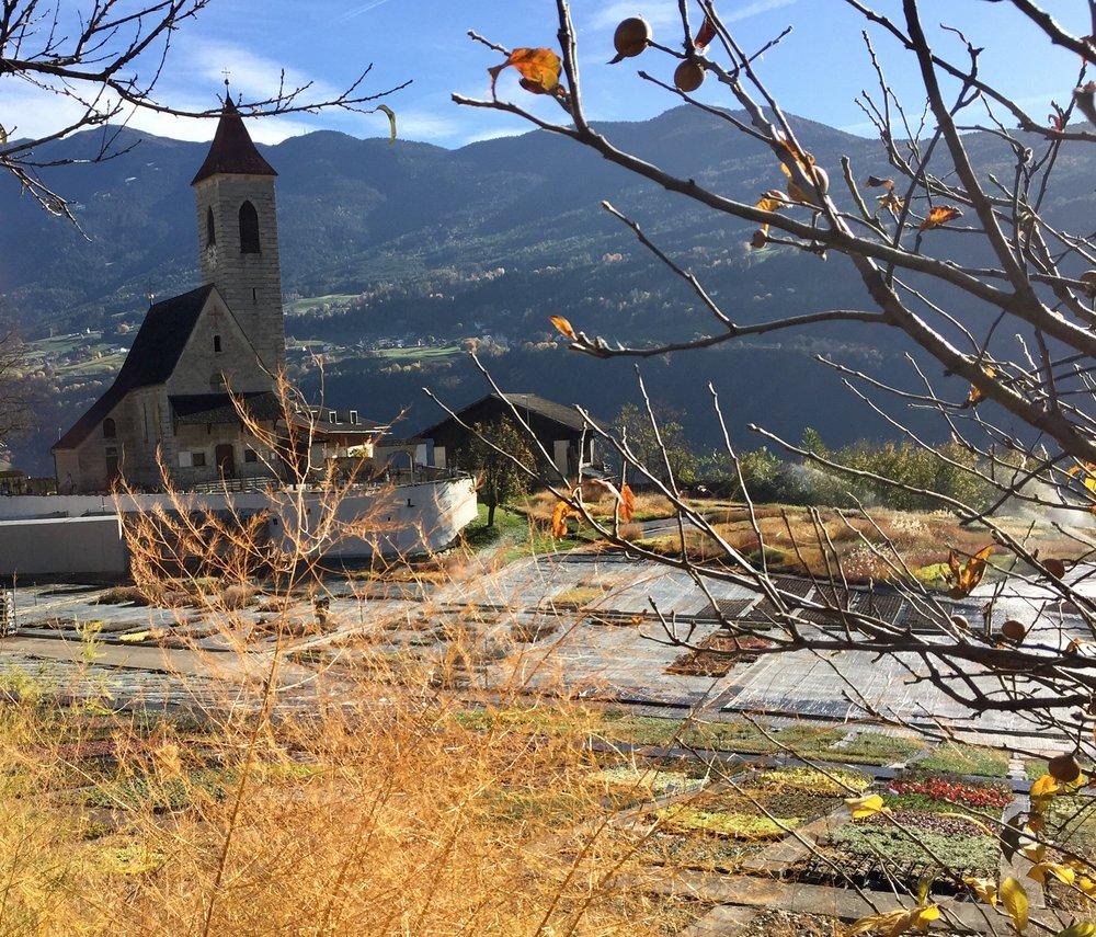 Jakobkirken et kapell i Tschötsch med et kjent maler.