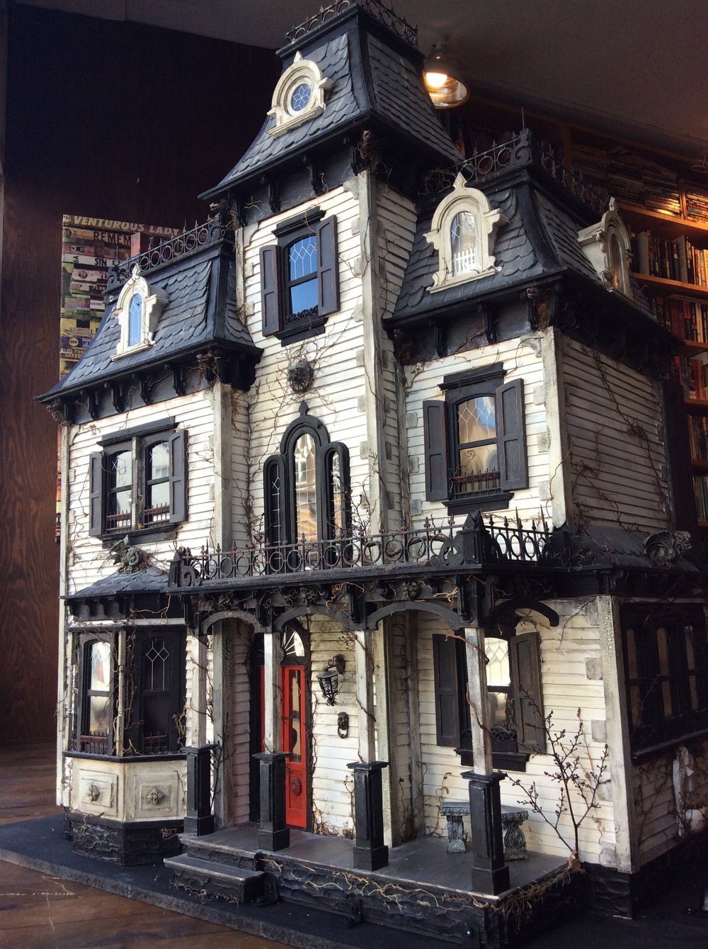 Haunted dollhouse the great escape book store solutioingenieria Choice Image