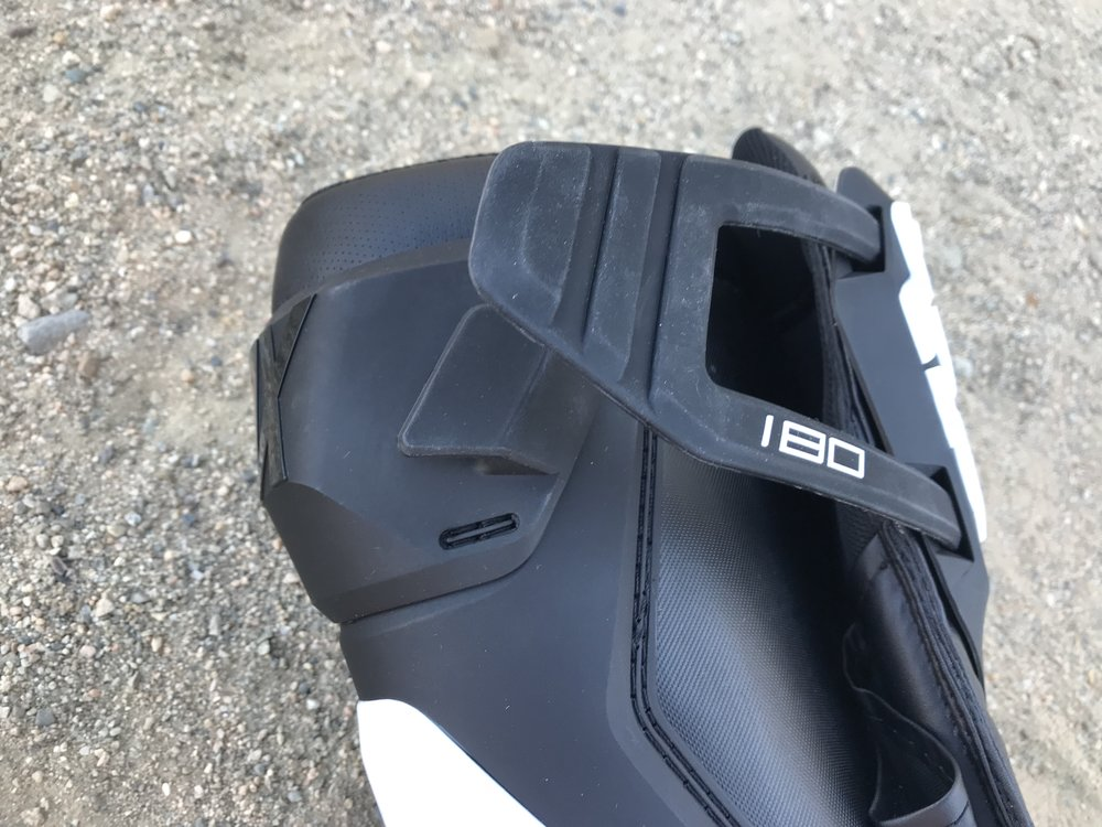 The top silicone strap of the 180 has four different settings (for wide range of calve sizes) that lets the rider easily choose how snug he wants the boot to be.