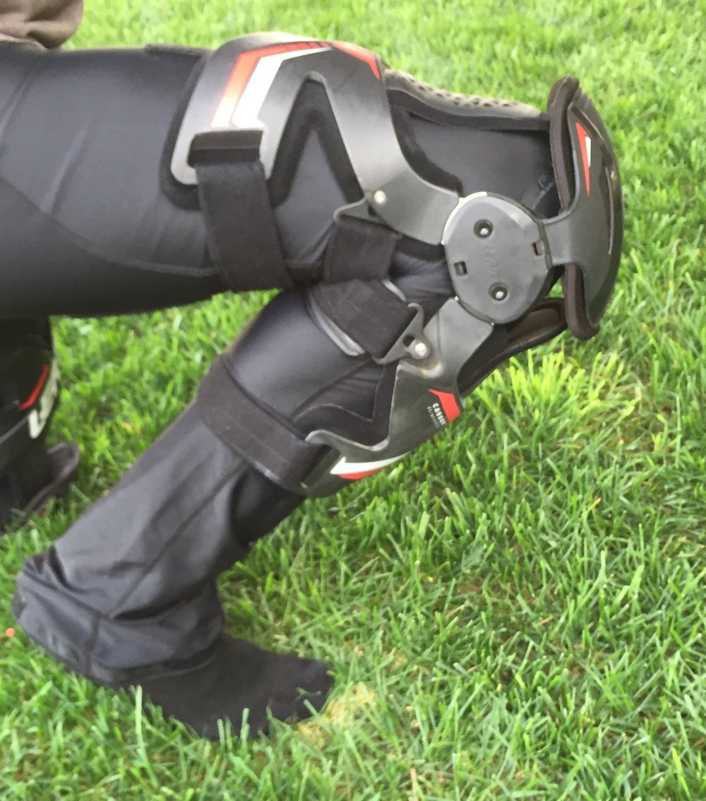 1340bd90c5d0 Keefer's Note: Please be aware that ALL knee braces take some time to get  used to. You are not going to strap on your new knee braces, jump on your  bike and ...