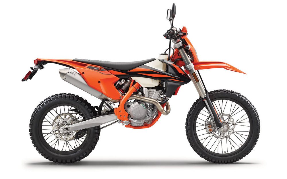 2019 KTM 350 EXC-F - When optimum rideability and maximum offroad performance are called for, there is no substitute for the KTM 350 EXC-F. Combining the handling of a 250 with power closely approaching 450 levels, its compact, powerful DOHC engine, low weight and perfectly tuned suspension make sure this machine masters each and every challenge with ease. And thanks to its playful agility, the 350 EXC-F retains the advantage when the going gets really tough. The longer the distance, the more riders on all levels benefit from its low-fatigue design for maximum riding fun.