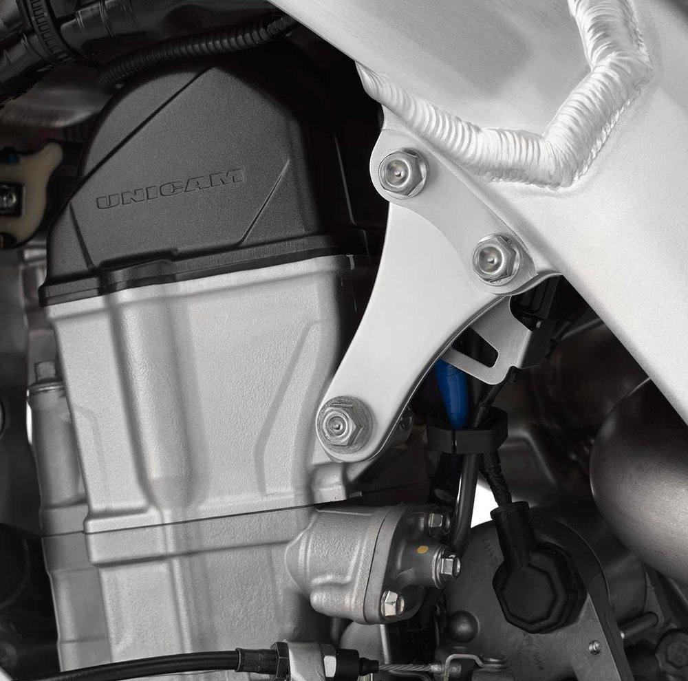 19-Honda-CRF450R_cylinder-head.jpg