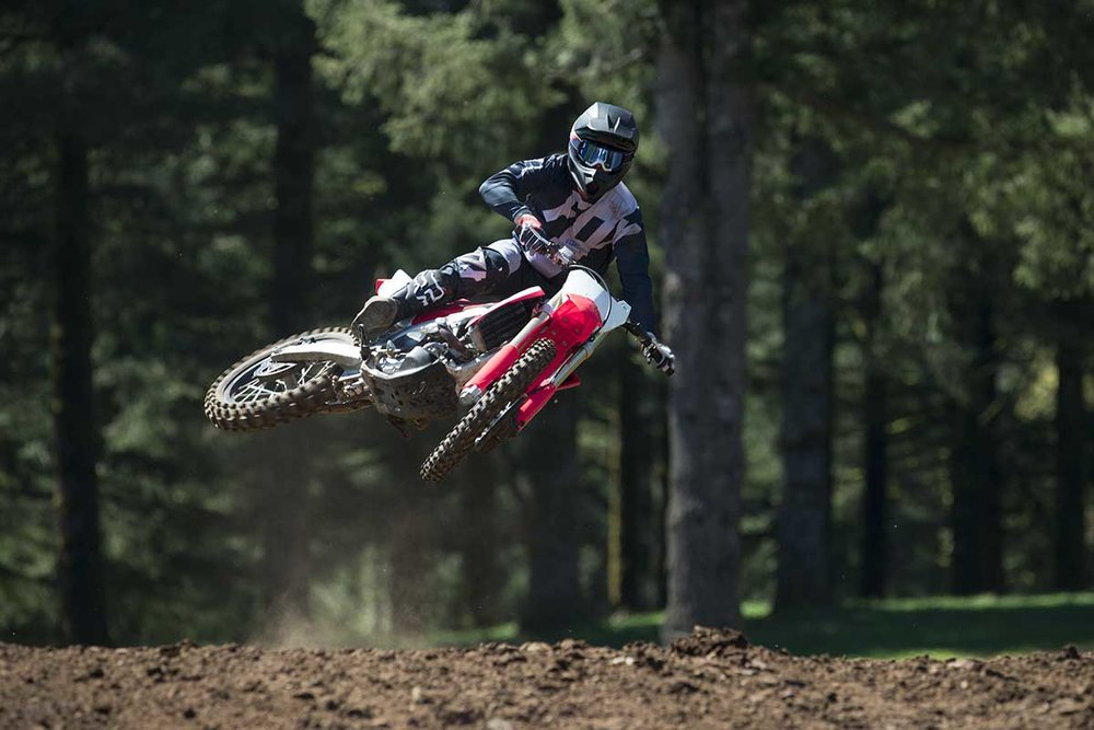 19-Honda-CRF450R_Action_7.jpg