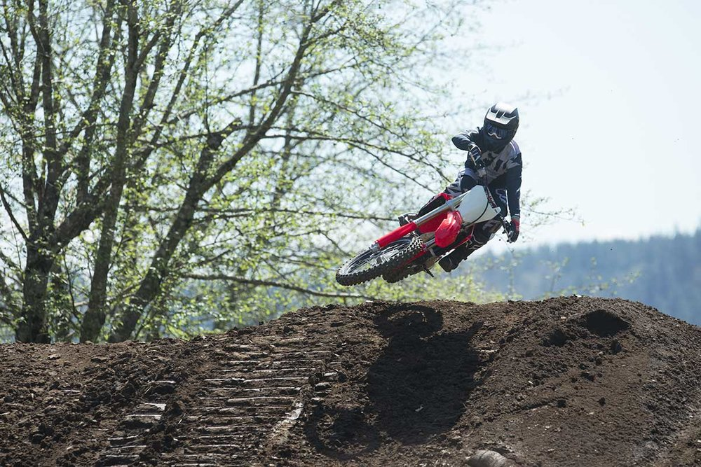 19-Honda-CRF450R_Action_8.jpg