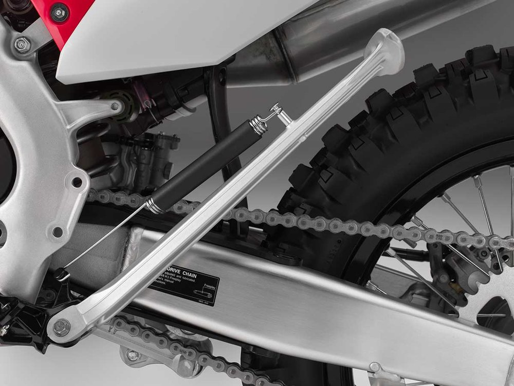 19-Honda-CRF450X_kickstand-up.jpg