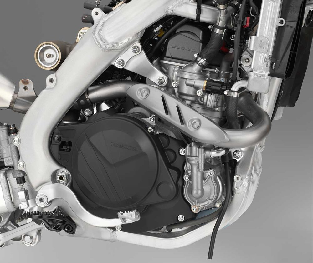 19-Honda-CRF450L_engine-R.jpg