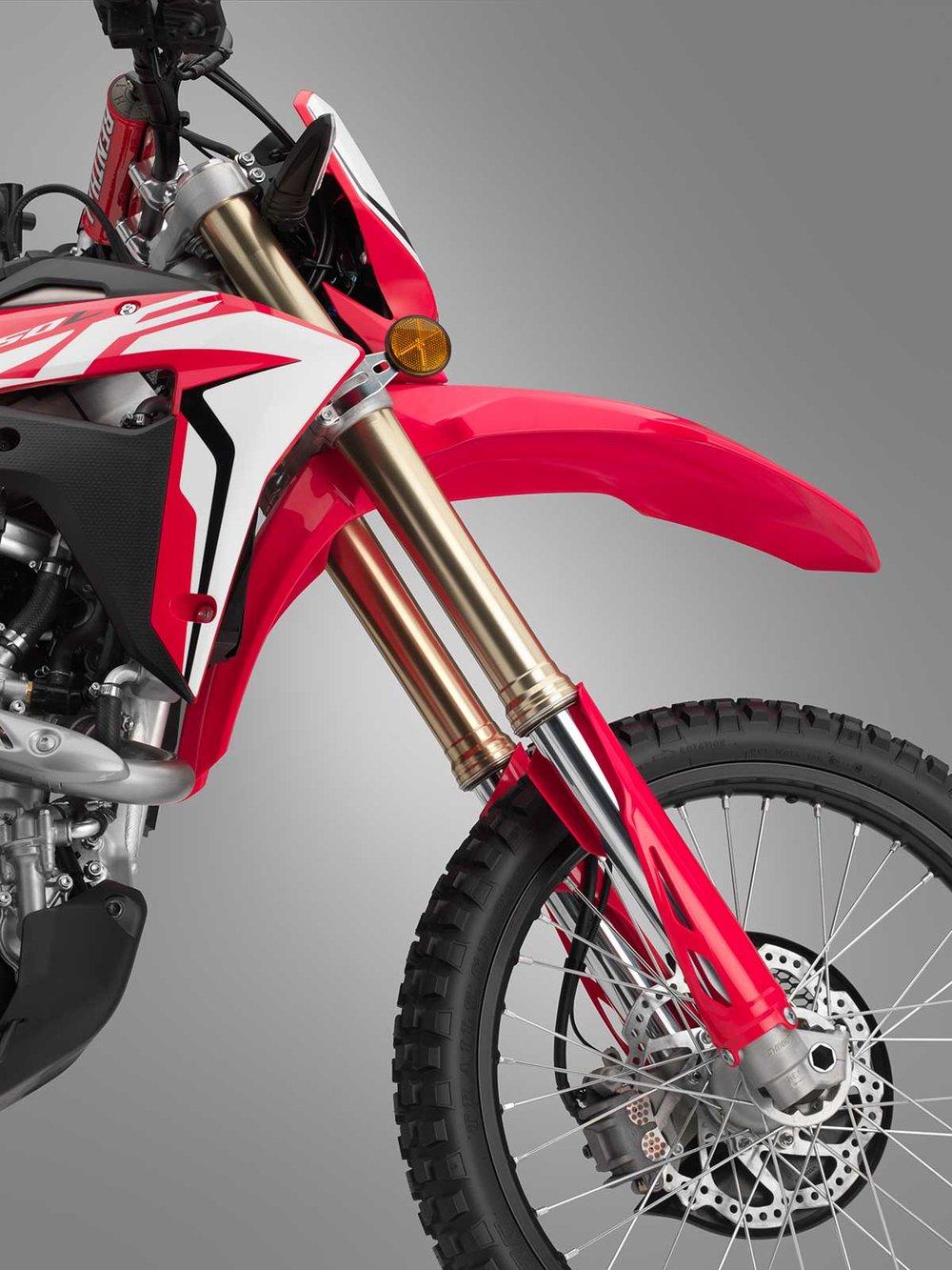 19-Honda-CRF450L_fork.jpg