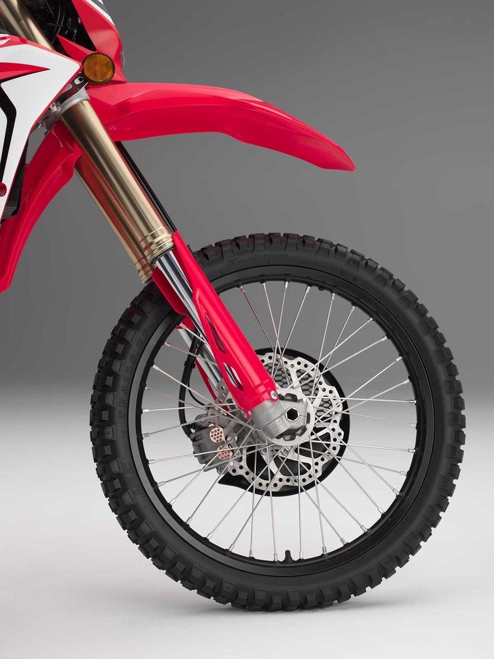 19-Honda-CRF450L_front-wheel.jpg