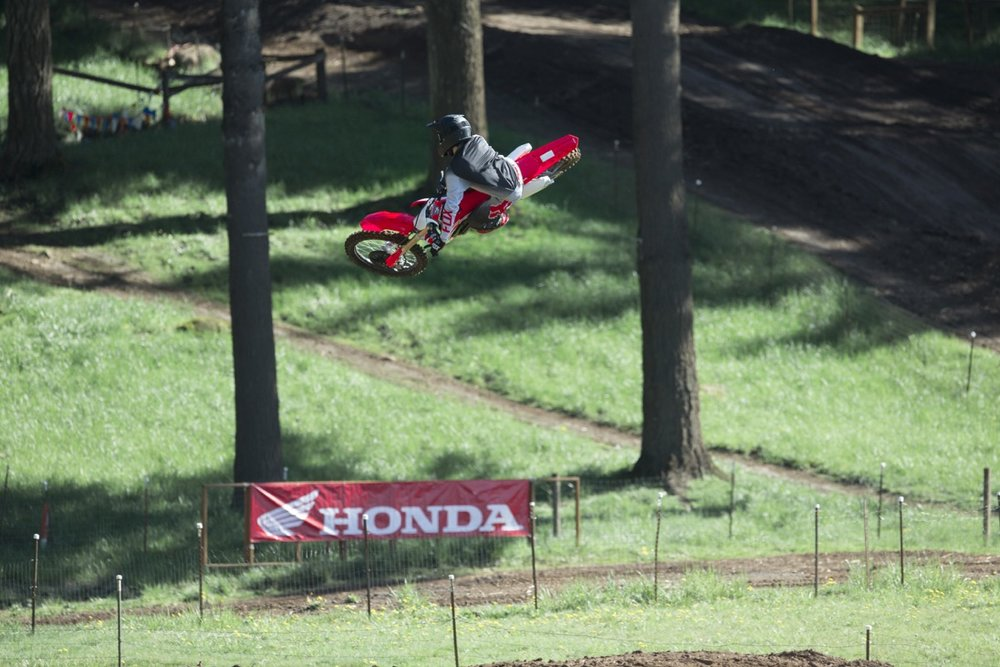 19 Honda CRF250R_Action_2.jpg