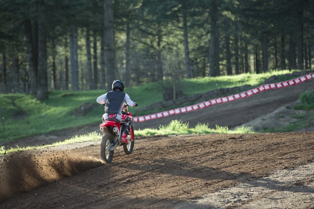 19 Honda CRF250R_Action_7.jpg