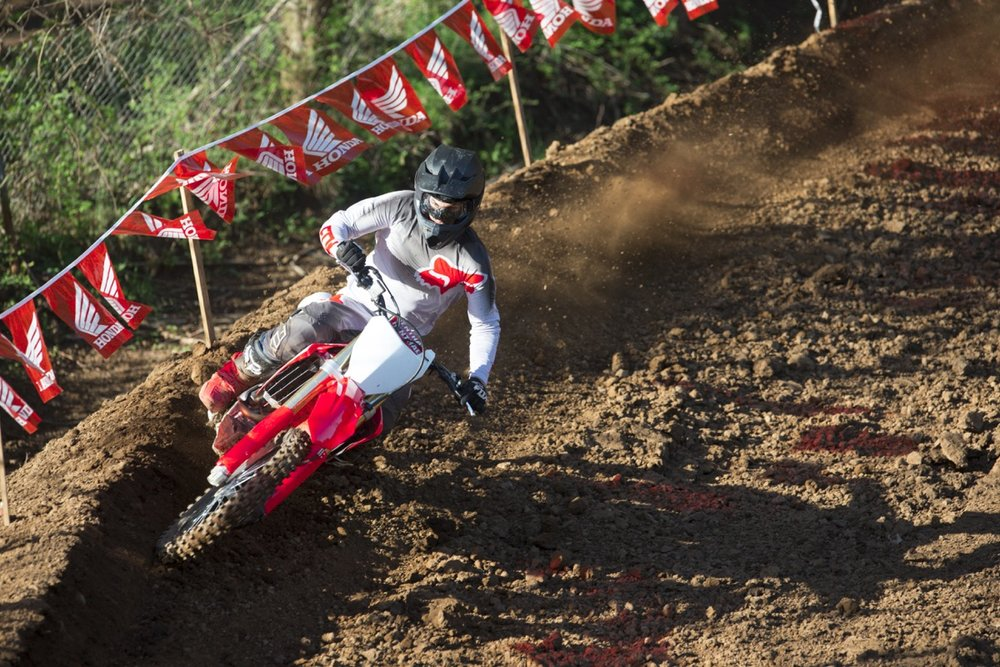 19 Honda CRF250R_Action_6.jpg