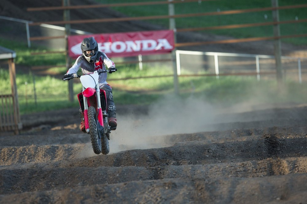 19 Honda CRF250R_Action_8.jpg