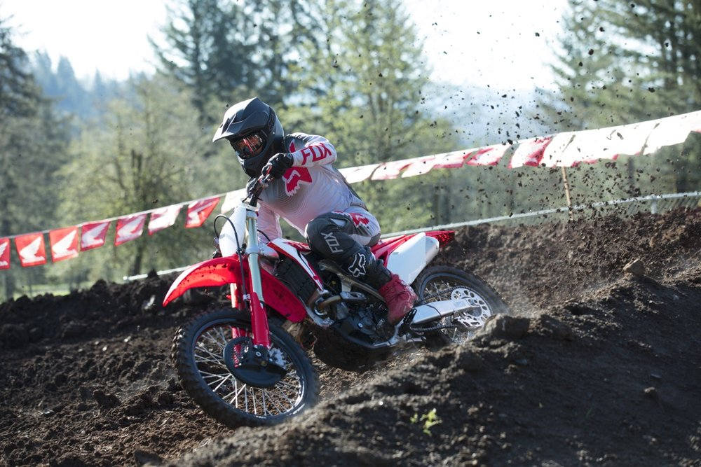 19 Honda CRF250R_Action_9.jpg