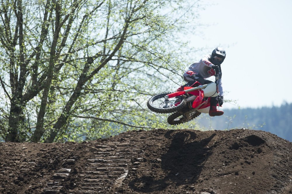 19 Honda CRF250R_Action_10.jpg