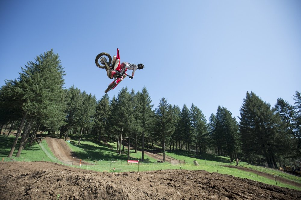 19 Honda CRF250R_Action_12.jpg