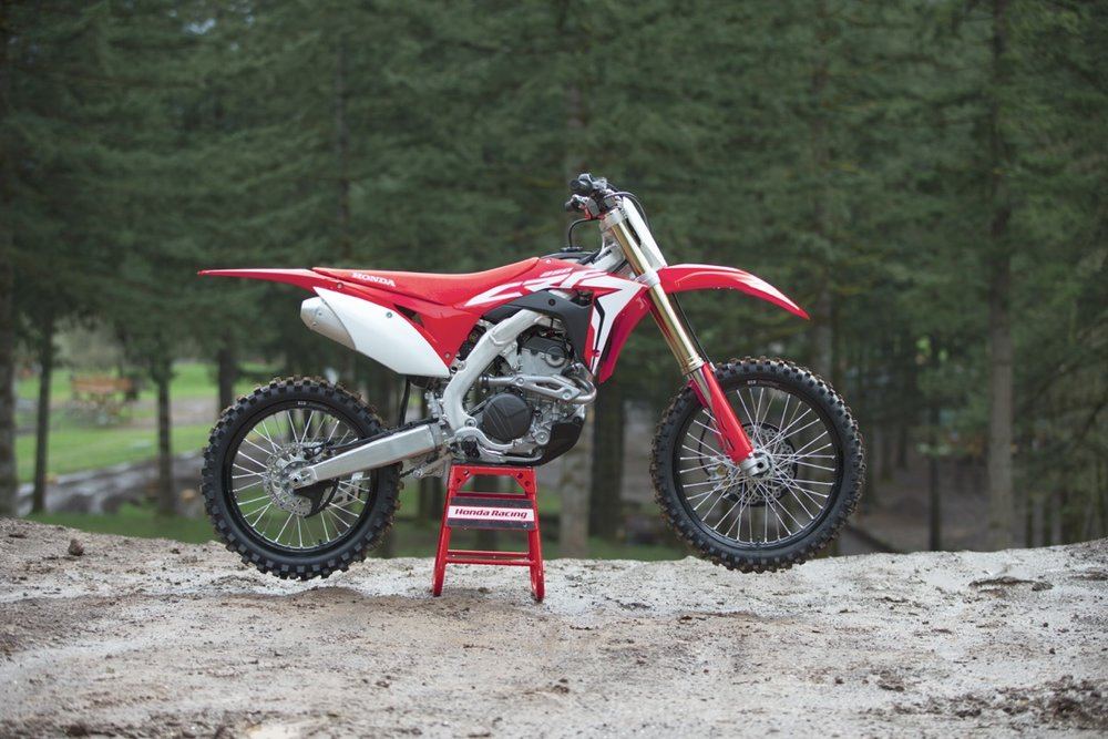 19 Honda CRF250R_Beauty_02.jpg