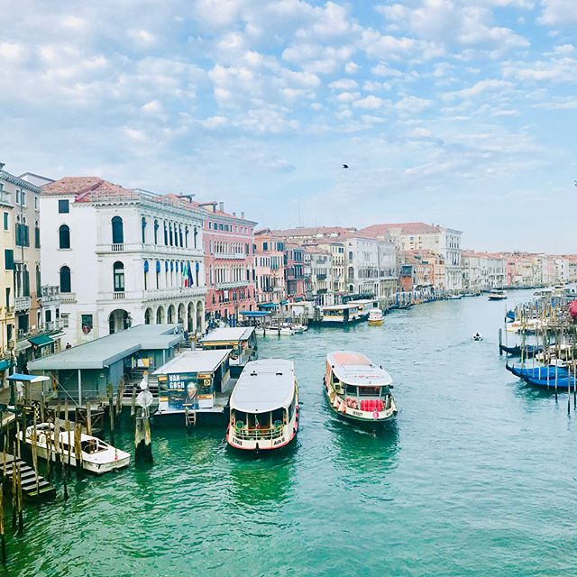 Okay my last Venice post.... maybe. Just a few scenic pics this time #veniceitaly #venice #italy #italy🇮🇹