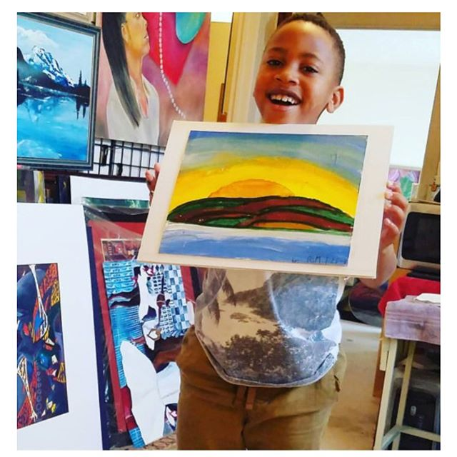 You can never be too young to run a business! Check out these two interviews with young entrepreneurs Amari Randall with Iramarks Custom Pen Company, and Roshad with the Art Stand. @the_art_stand @morandall  Link in profile to read! Be sure to subscribe to the monthly newsletters! • • #youngentrepreneurs #businessowners #entrepreneurs #paintparties #custompens #backtoschool #protectyourpurpose⚠️