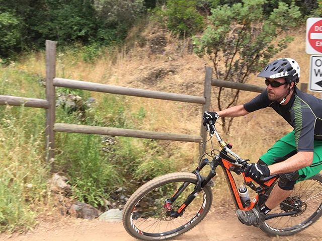 @winn_racing rider and chief information officer @n8_fn2187 coming in hot at the bottom of his nemesis trail, Stonewall. No flats today, but if we did, we were #sparetubeready