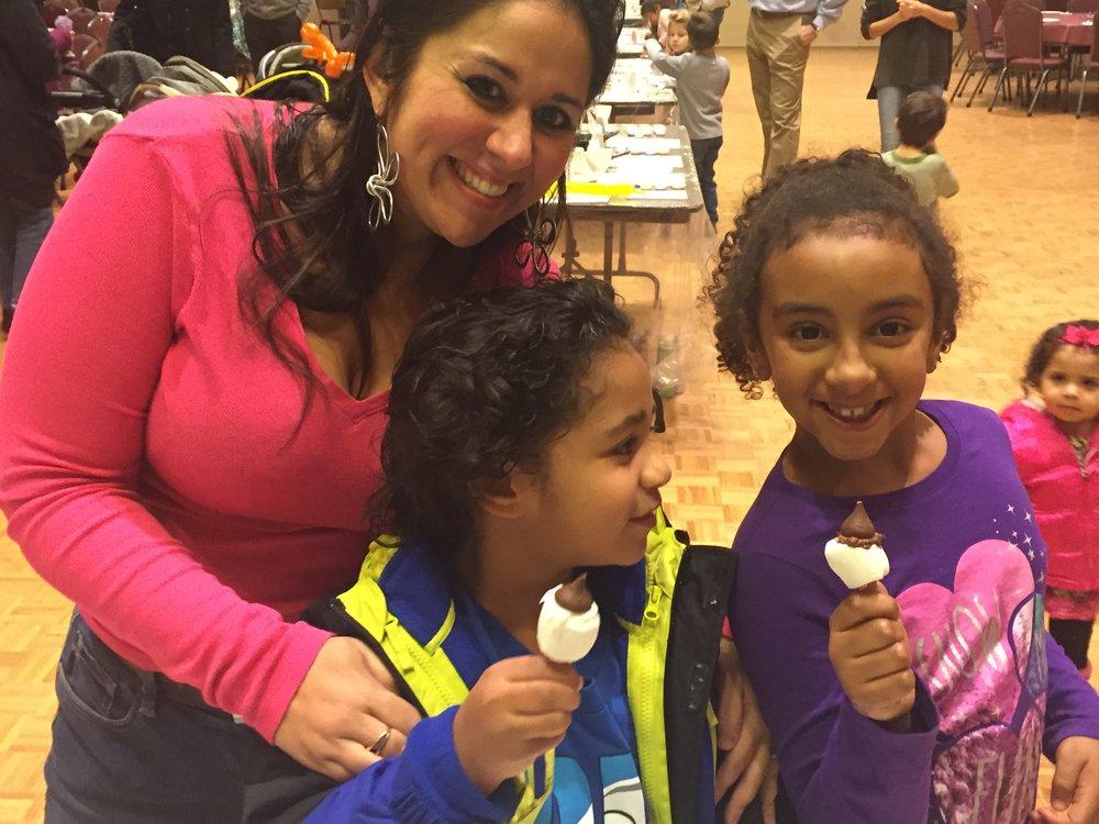 KidsMarshmallowPops.JPG